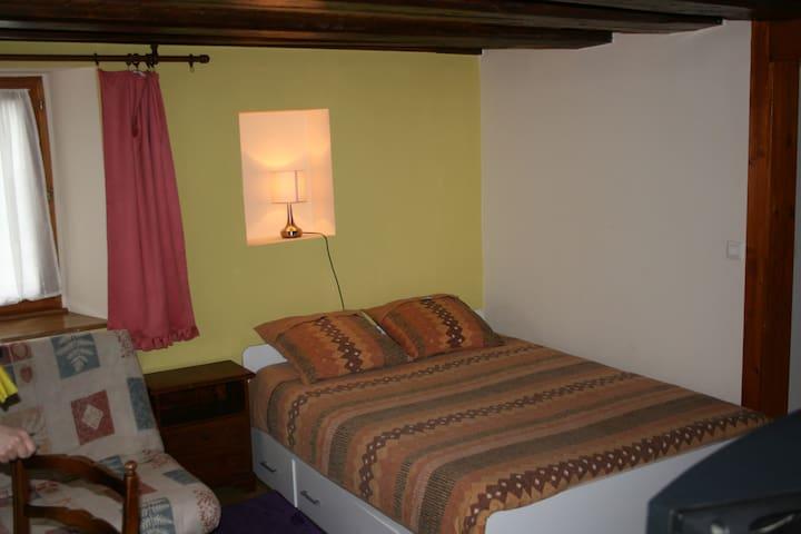 Appartement F1 meuble  independant pour vacances - Urbès