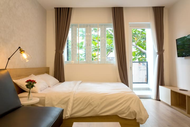 #08 Studio with balcony near city center & airport - Ho Chi Minh City - Apartment