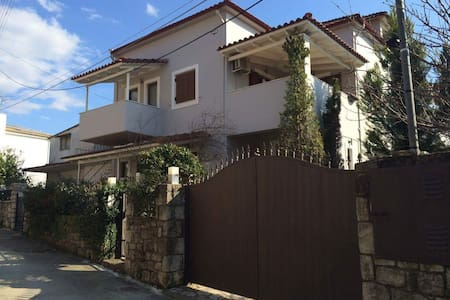 Very Spacious Attic with Pool and Forest view - Kalamata