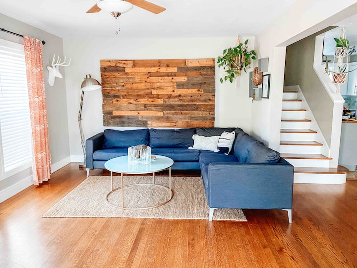 Clean & Cozy Retreat off Western Ave - Central OKC