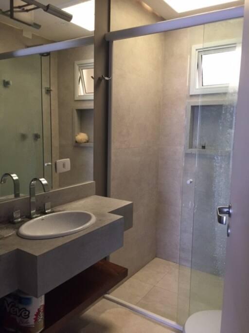 Banheiro da Suíte de Casal 02
