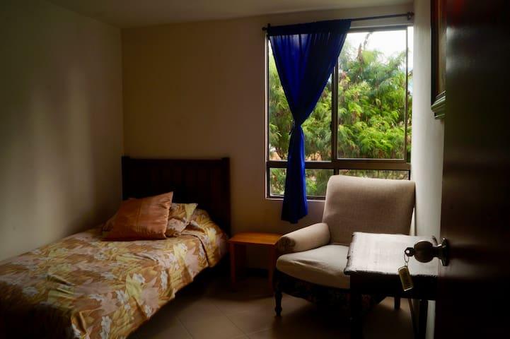 Habitación 2 acogedora en Sabaneta