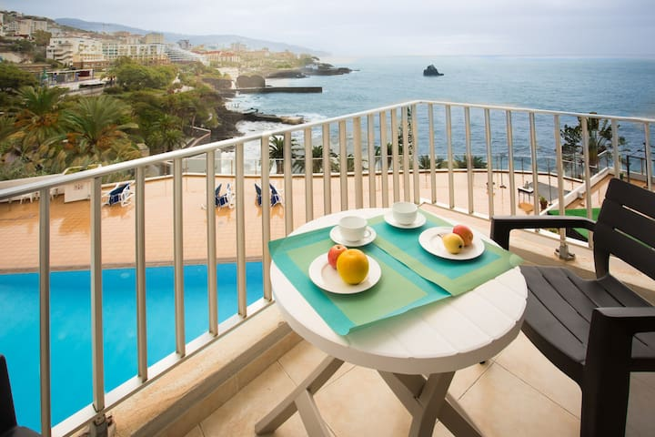 Apartment Blue Mar - breathtaking view & pool - Funchal - Apartament
