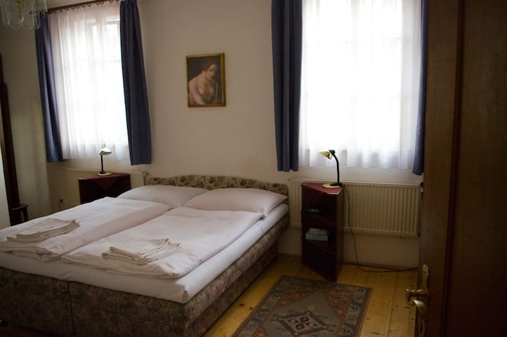 Double Retro room close to Charles Bridge
