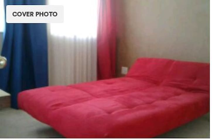 Cisterama303RedSleeperCouch - Cape Town - Daire