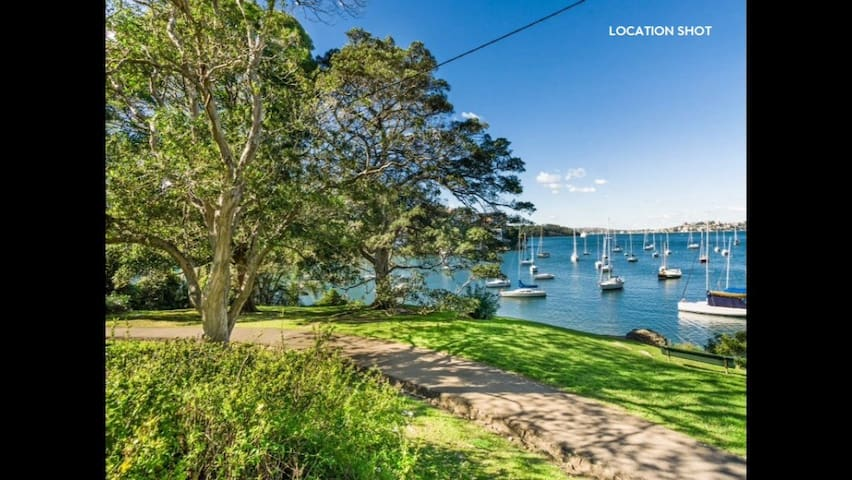 5 minutes walk to great harbour side walk