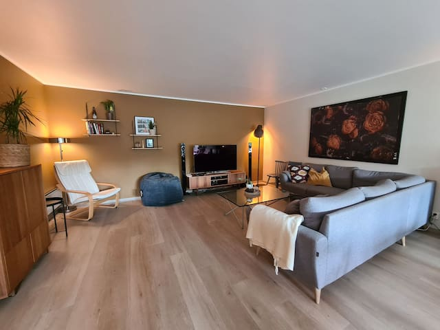 Spatious and refurbished appartment with garden.