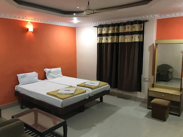 Shramajeevi Deluxe, Budget Rooms, PB Road