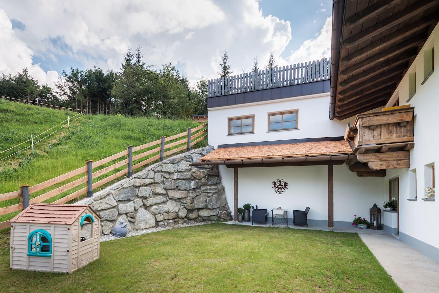 NInas Residenzal mit eigenem Garten 80 Quatratmeter