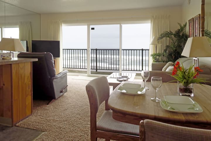 Oceanfront 3rd Floor Suite - #28 Ocean Terrace