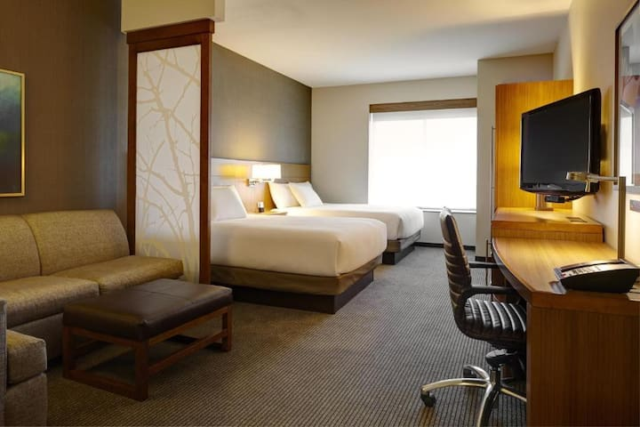 Cool Double Two Double Beds Non Smoking At Cherry Creek - Glendale