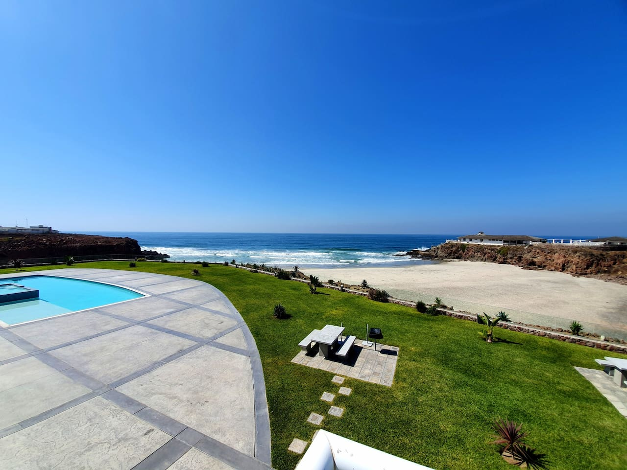 Oceanfront Pool with endless views of the rolling Pacific Ocean.