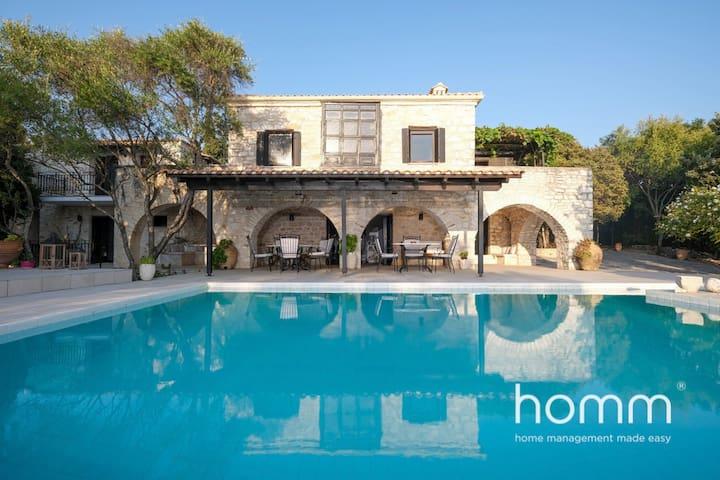 580m² Luxurious Seaside Residence in Syvota(14ppl)