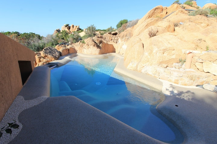 Suite Rosa 9 with natural hydromassage pool