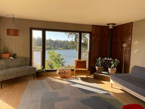 Hillside Bungalow on the North Fork Siuslaw