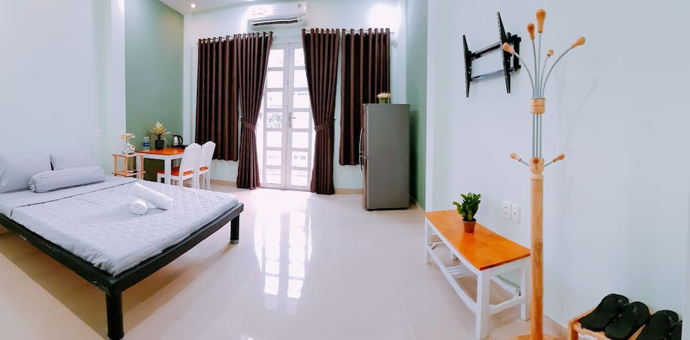 STUDIO IN CO GIANG ST, D1 - 5M TO BEN THANH MARKET