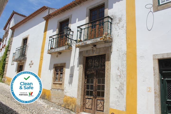 Lovely House in the Óbidos Castle
