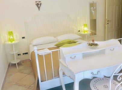 Luxury room in zona centralissima 2 passi dal mare