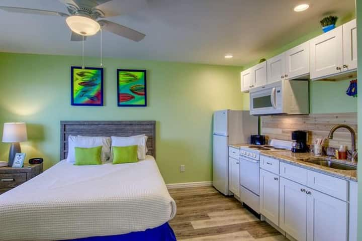 BeachGate CondoSuites and Oceanfront Resort Standard Studio 1 Queen Bed 1 Bed 1 Bath Sleeps 2