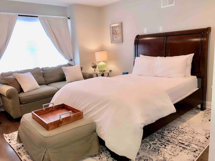 Elegant & Comfortable Room in Brewerytown