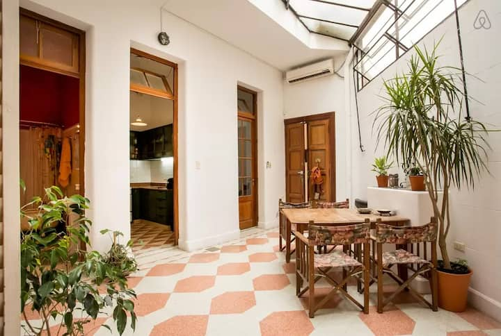 Lovely and silent apartment with patio in Palermo