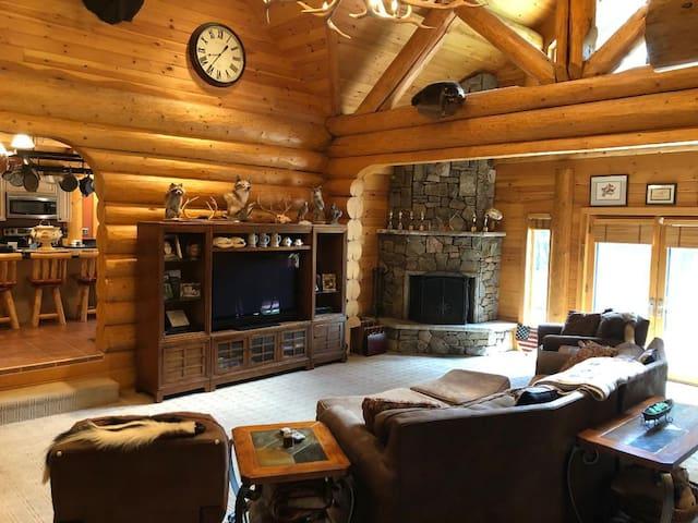 ~ Mini Great Wolf Lodge ~ 4,200 sq ft Log Home