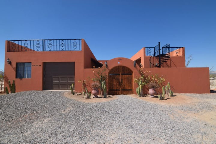 Casa Rayal for Up to 12 Guests - HEATED POOL