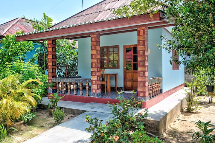 Secluded Beach Bungalow Standard A
