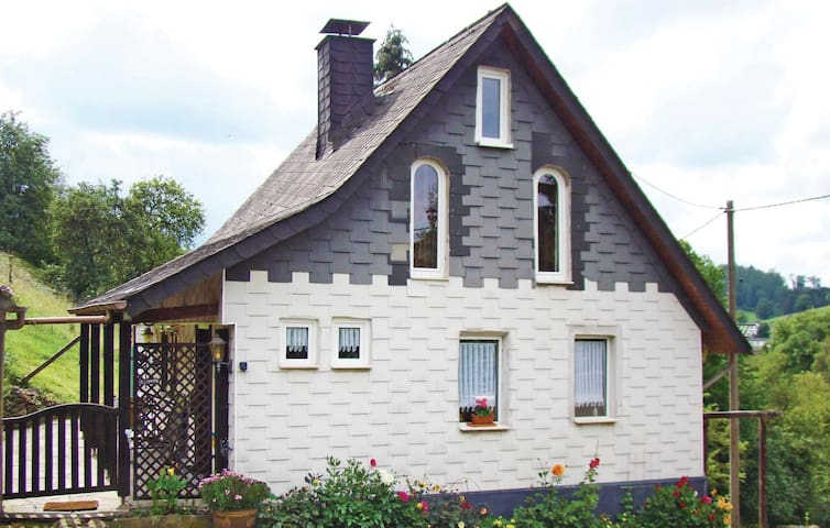 Holiday cottage with 1 bedroom on 70 m² in Katzwinkel