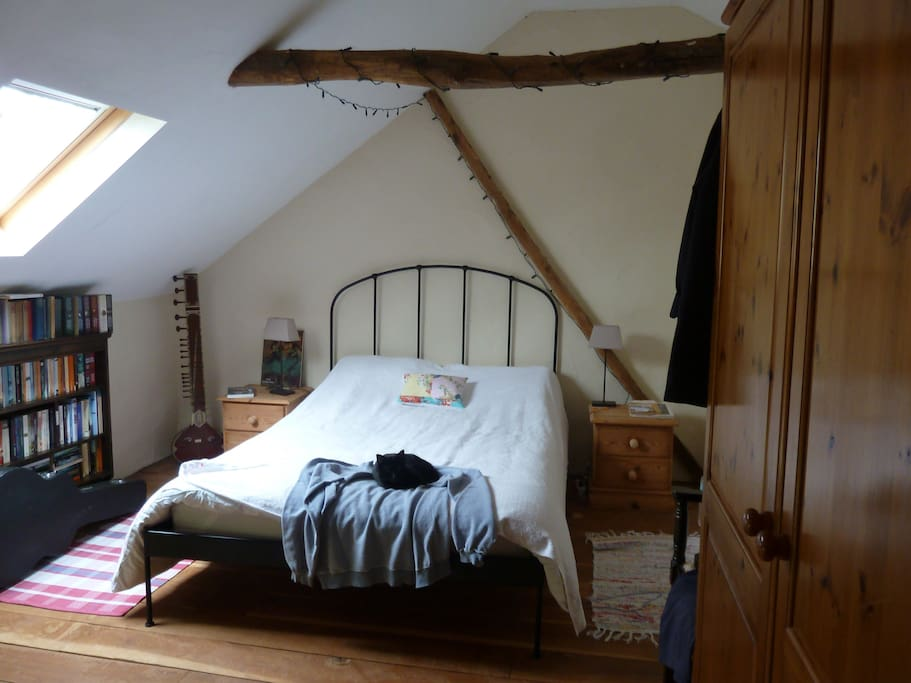 Upstairs bedroom. This bedroom can be used by special request for larger parties at an additional price.