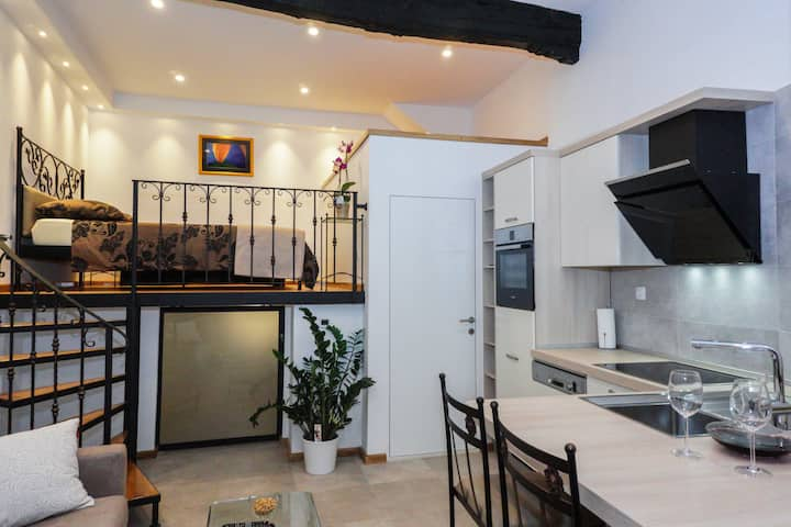 Konoba, studio apartment in old town Šibenik