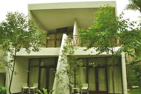 VillaTel Salse Bandung - Bandung - Bed & Breakfast