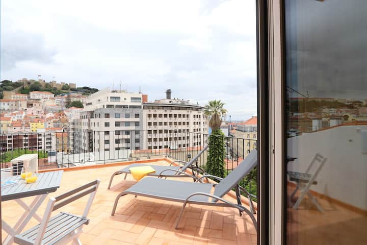 Lisbon's Dream at Downtown: Pool, Terrace and AC