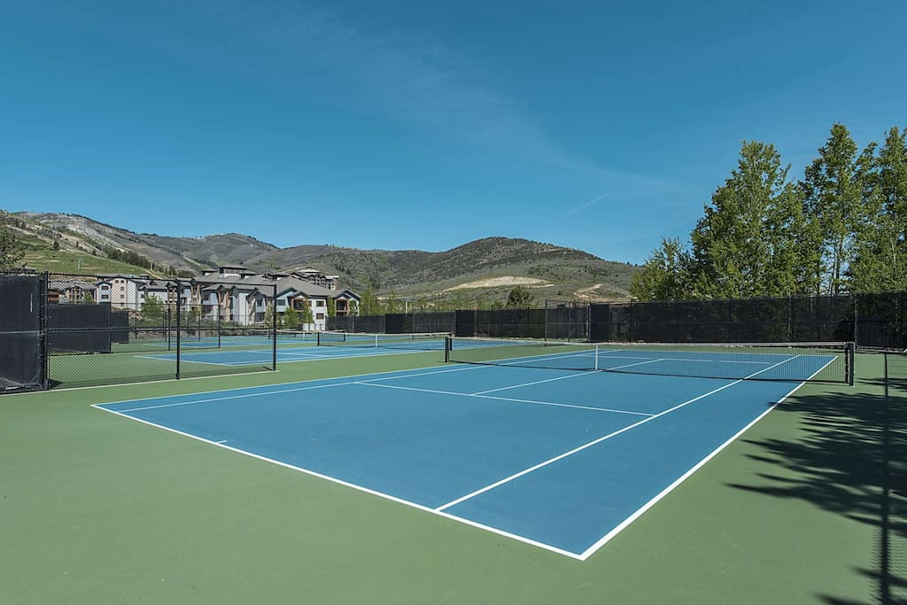 Red Pine Tennis Courts