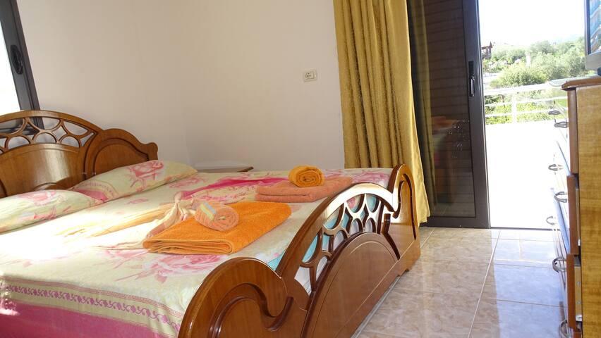 Stupendo appartamento bilocale con vista mare - Ksamil - House