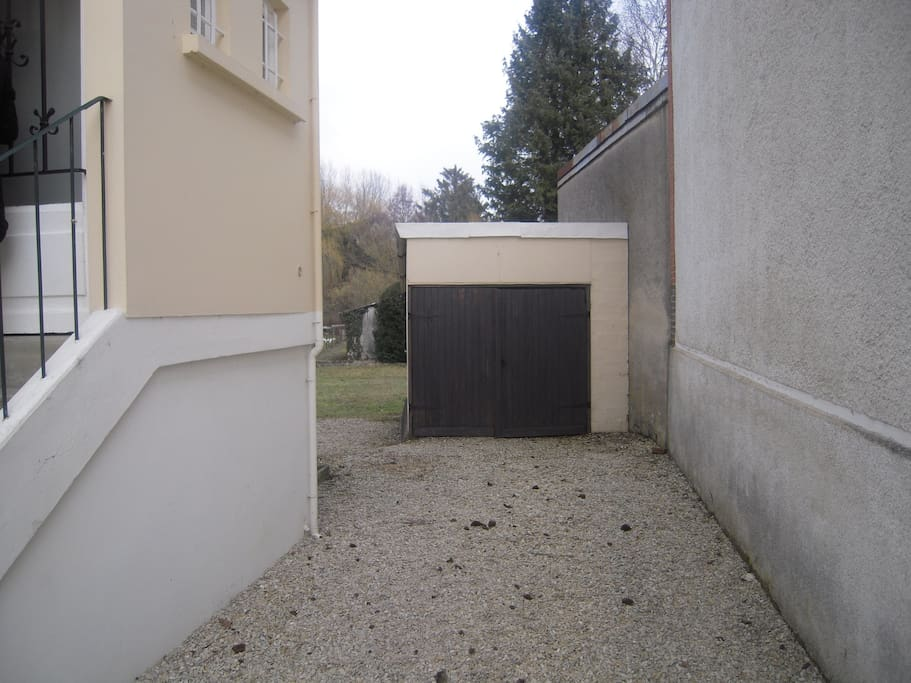 Garage couvert
