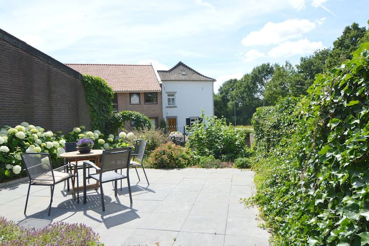 Lovely 110m2 large apartment near Valkenburg and Maastricht