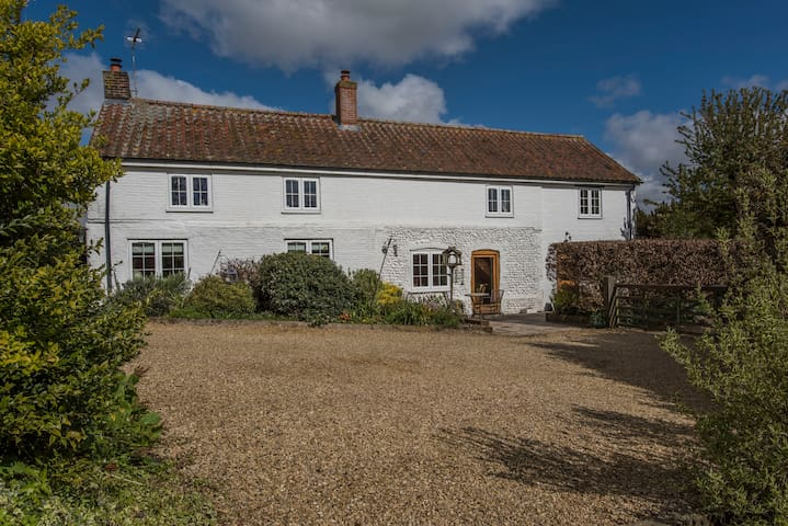 Gorgeous  cottage close to North Norfolk coast