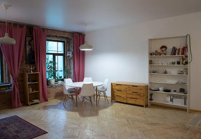 Loft-style apartment near Smolny cathedral