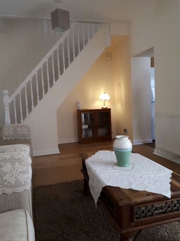 South Griffin Cottage, 3 bedroom,1 bath, sleeps 5.