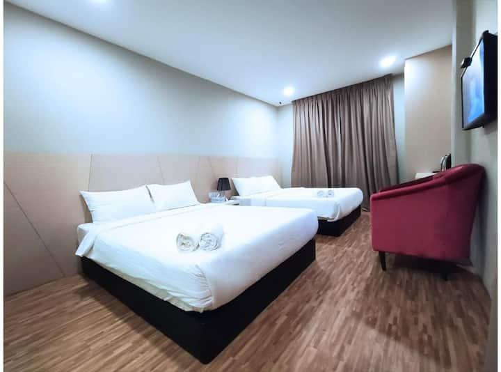 Nice Family Room at Princess Hotel Pontian