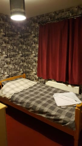 Light airy single room - Manchester  - บ้าน