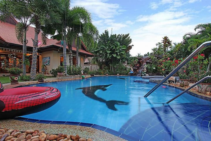THTHHPAT409- Secluded Villa with 4 Bedrooms Garden