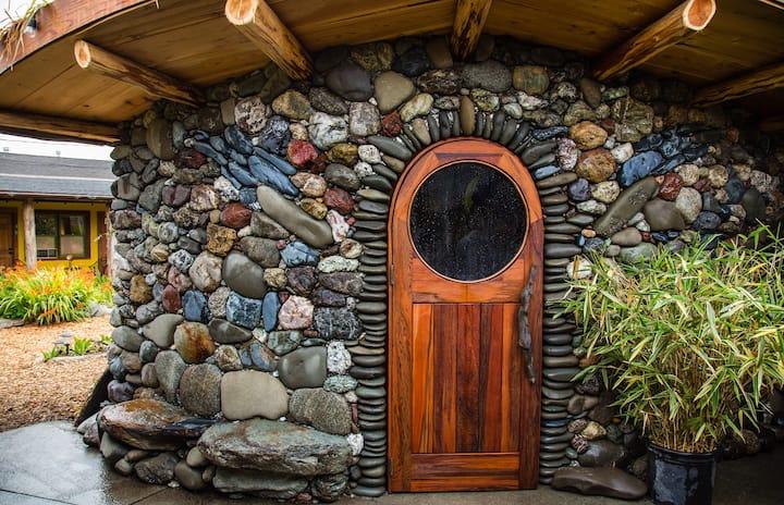 The Little Heron  Hidden Bath & Oasis