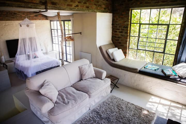 Essere Lodge Guest House - Acacia Suite