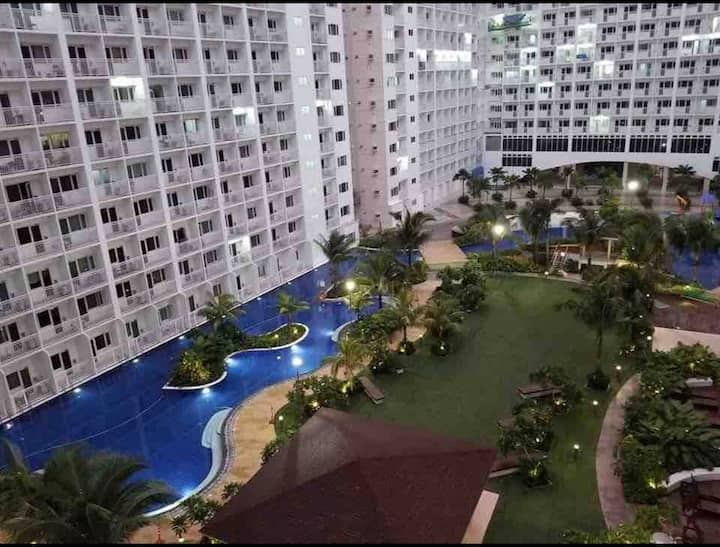 Pasay Bay view MOA ,SMX, 1BR w/ WIFI,Cable,Netflix