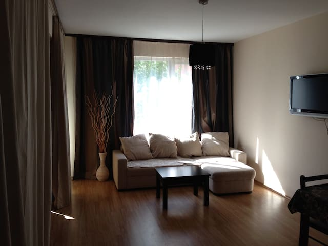 Modern apt in a quiet area / 18 min walk to sea - Ravda - Apartmen