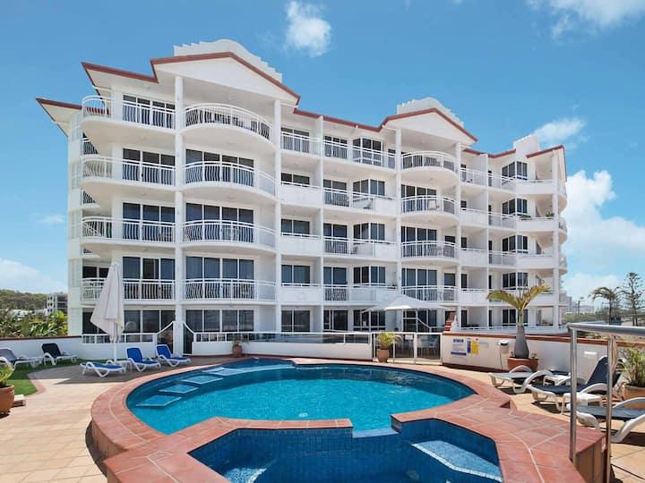 2 Bedroom Alex Unit - Ocean, Pool and Park Views