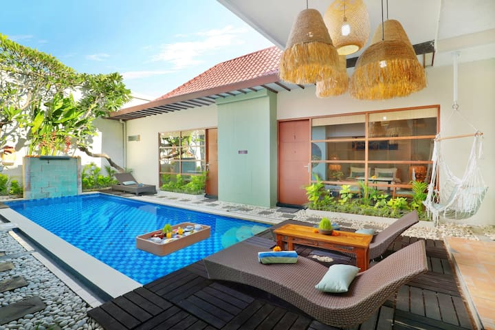 HOT DEALS Deluxe Room with Shared Pool