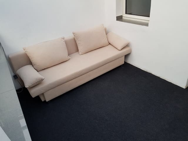 Appartement very close to cologne and university